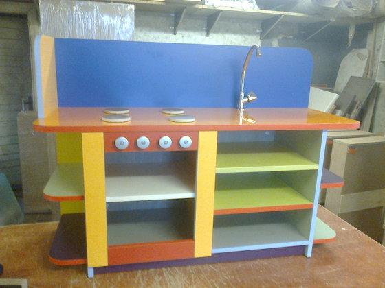 Spēļu virtuves iekārta mazajiem bērnudārzā